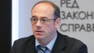 Атанас Семов хвърли бомбата с въпроса дали Плевнелиев има черен печат в паспорта си