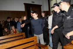 Апостолов сред защитниците на убиеца на Кирил Въжаров