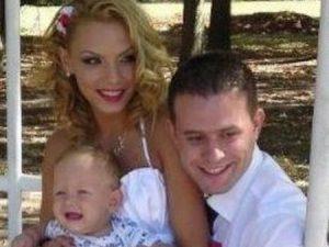 Младото семейство в дена на сватбата
