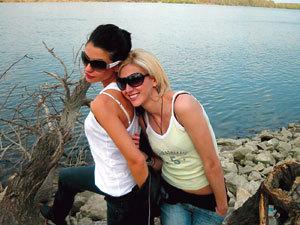 Диляна Попова и сестра й Елиза