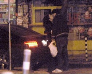 Елена Петрова скъса с младия си любовник Светльо и е сама като кукувица