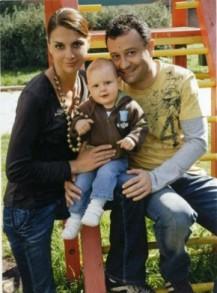 Любовта между Рачков и жена му е в миналото. Днес тя е бременна от Евтим Милошев