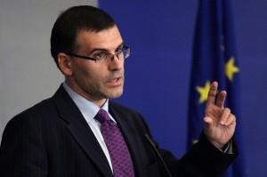 Финансовият министър  Симеон Дянков не иска да налива пари в БНТ