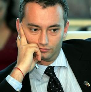 Ведомството на Младенов се тресе от скандали, но той нехае