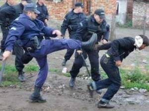 Полицията наказва здраво, когато трябва и когато не трябва