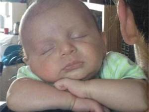 Бебето Боян остана без количка