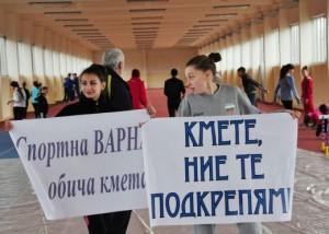 Скандал - кметът на Варна впрегна деца да агитират за него