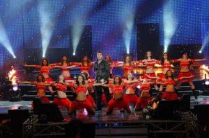 Защо ли балерините на Веско Маринов са облечени в червено?