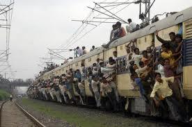 претъпкан влак