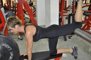 Ето как Джина Стоева тренира за стегнато дупе