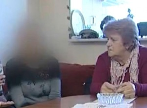 Елена се срамува да покаже лицето си, обезобразена от химиотерапията!!!