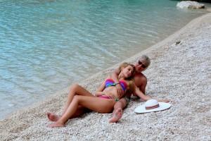 Антония и Саша се награбиха на пясъка
