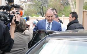 Борисов смъква доверие от Цветанов