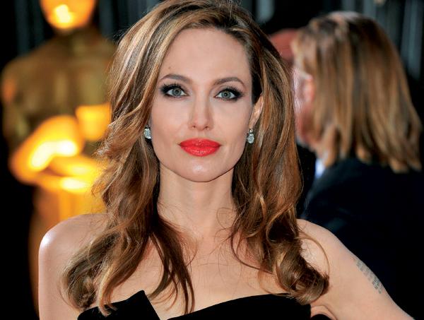 Анджелина Джоли г