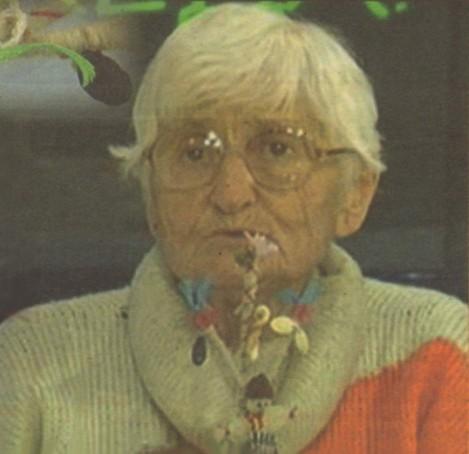 Иванка Антонова със свое произведение