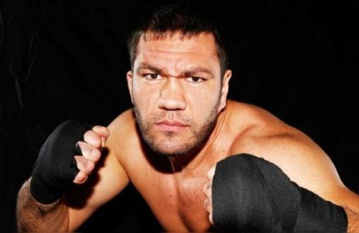 Кобрата още чака ред да се бие с Кличко за световната боксова корона