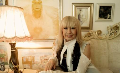 Лили Иванова си няма и идея в какви афери се въвличат гардовете й