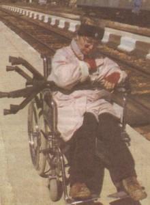 Асистентът на Божана я качил на ръце на влака