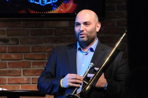 Велислав Стоянов, един от най-успешните ни съвременни тромбонисти, е роден пет години след кончината на именития си дядо