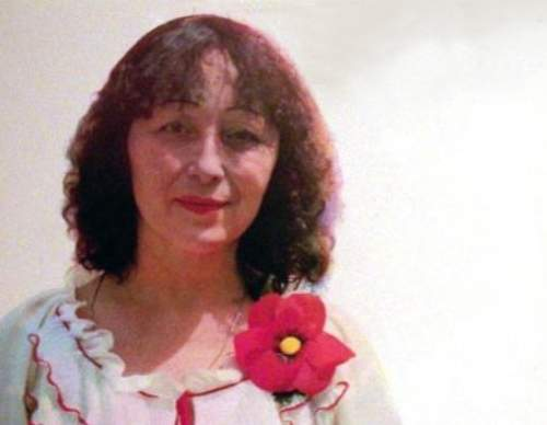 """Зорница Попова (1928-1994) е автор на хитове като """"Боса по асфалта"""", """"Джалма"""", """"Слънцето е в моите коси"""", """"Ваза с цветя"""", """"Грешна ли съм, Господи"""""""