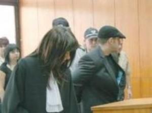 Страстният романс на прокурорката и Мангъров започва в съдебната зала