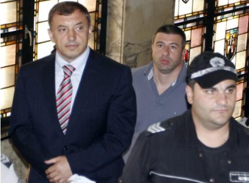 Алексей Петров и дясната му ръка Антон Петров - Хамстера замръзнаха, научавайки, че срещу тях има нов защитен свидетел