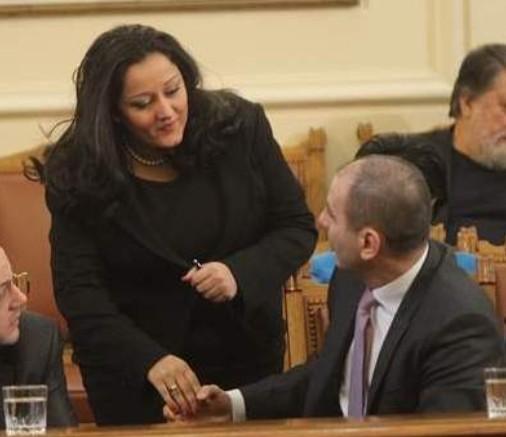 Павлова и Цветанов често демонстрират близост в парламента
