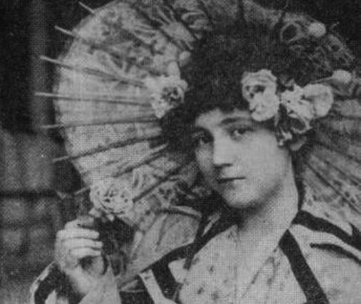 Лора Каравелова