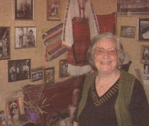 75-годишната Стоянка Бонева живее сред спомени от преди 60 години