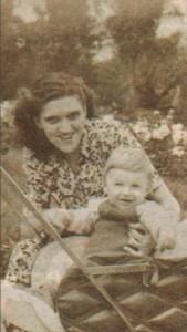 На 1 годинка с майка си