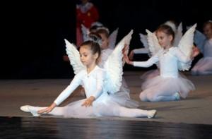 Крисия играе и балет от 4-годишна
