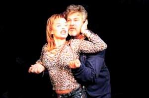 Стефан Данаилов в опасна близост с Аня Пенчева на театрална сцена