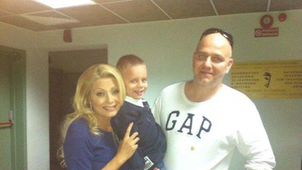 Венета Райкова с Тишо и синът им Патрик