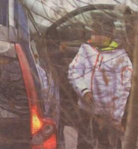 Атанасова качи момчето ни задната седалка на автомобила и двамата потеглиха към тенис корта, където хлапето тренира.