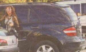 Илиана Раева рядко сяда зад волана на джипа си и предпочита услугите на личен шофьор