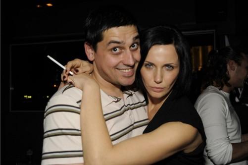 Мария и Силвестър в щастрива прегръдка