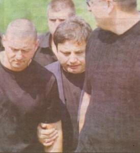 Стоил Славов -Телето (в средата) вкарал Жъчката в бизнеса с горива