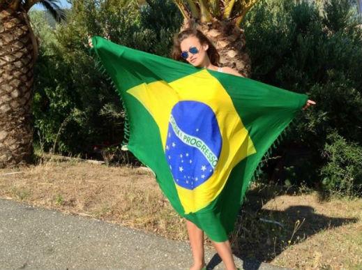 Яна Бразилия