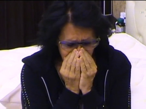Йорданка плаче майка