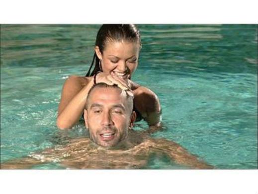 Петко и Яна в басейн