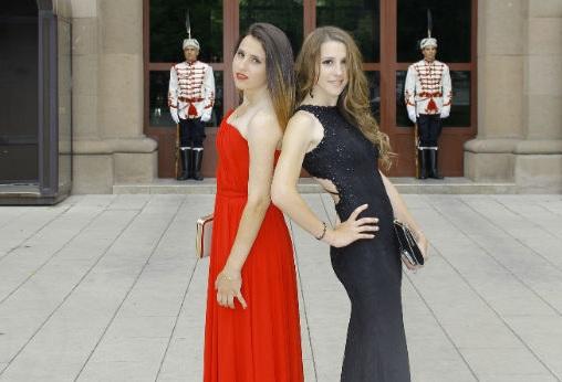 Мая Нешкова близначки