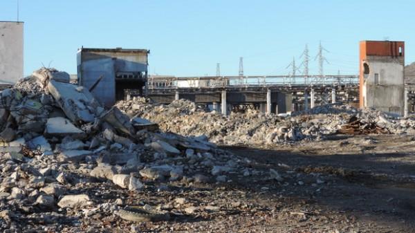 разрушени заводи