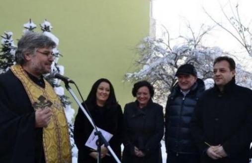 Лиляна Павлова режи лентичка послучай санирането на половин панелен блок във Велико Търново!