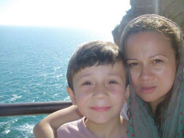 Анастасия Ингилизова със сина си от Деян Донков