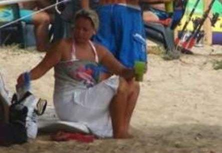 лора плаж дрехи