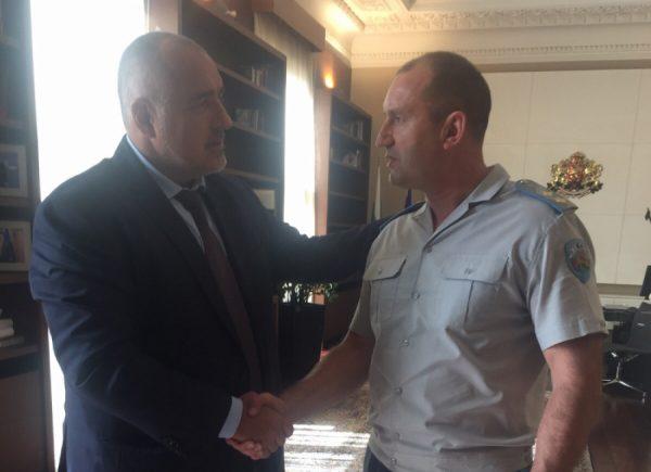 Ген. Румен Радев (вдясно)