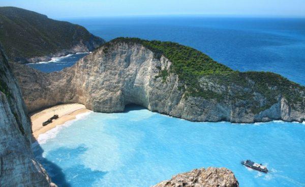 Този плаж не е в България! Очевидно!