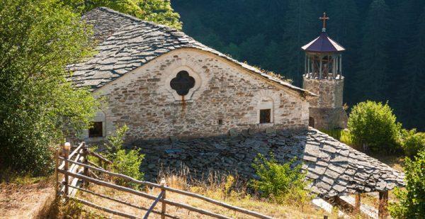 """Църквата """"Св. Георги"""" в замиращото село Върбово е с възрожденски стенописи!"""