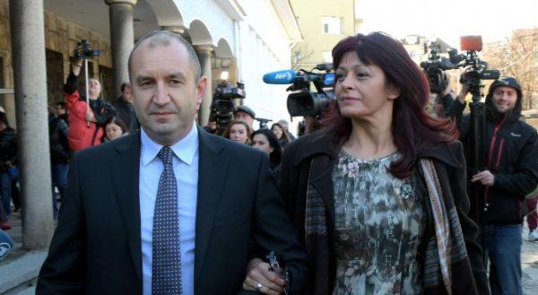 Румен Радев със съпругата си Десислава